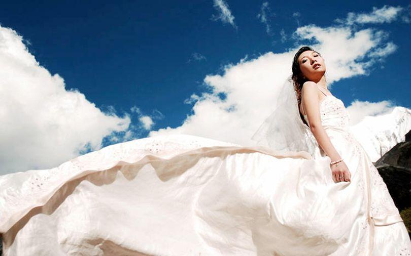 korean-bride-in-the-white-dress