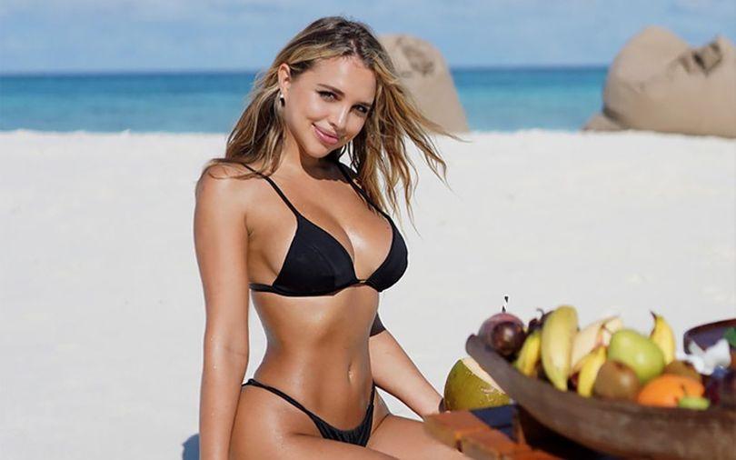 pretty-girl-on-beach