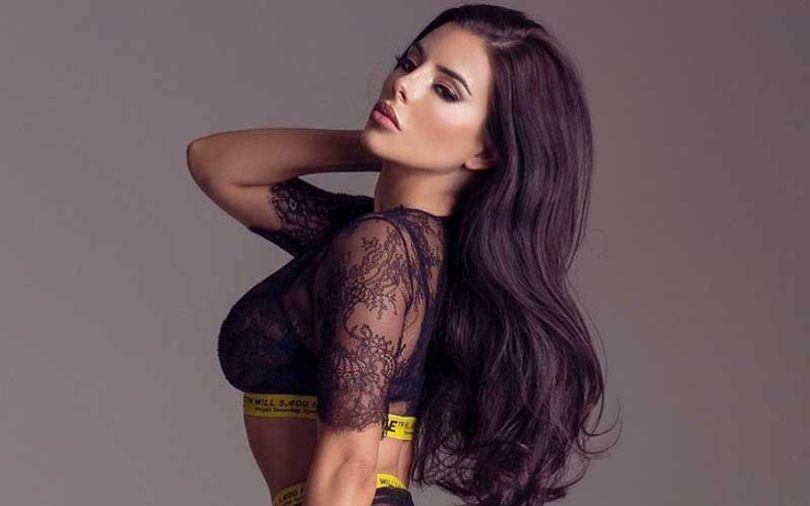 pretty-costa-rican-brunette-lady