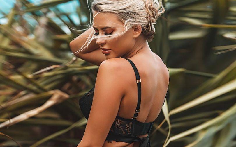 beautiful-blonde-bride-in-bra