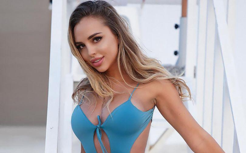 beautiful-girl-on-beach